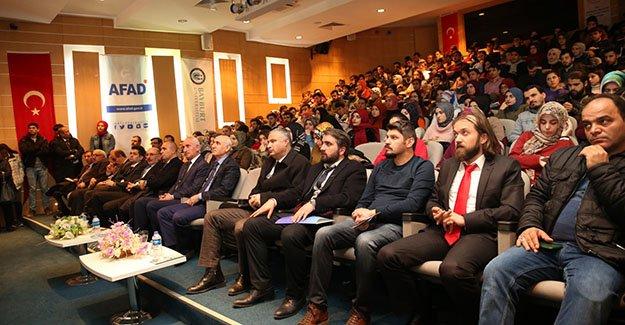 Bayburt Üniversitesi'nde 'Deprem ve Kentleşme' Paneli