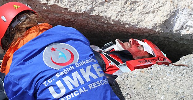 UMKE ekiplerinden deprem tatbikatı