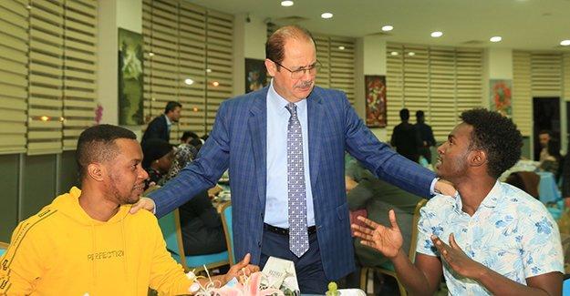 Bayburt Üniversitesi'nin Öğrenci İftarı 'Dünyanın Renklerini' buluşturdu