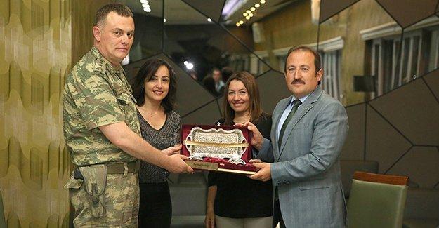 Albay Balibaşa onuruna veda yemeği