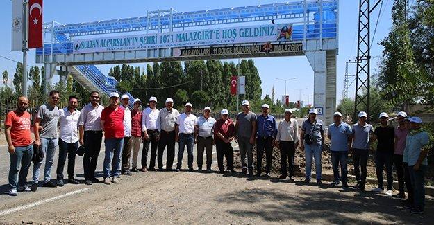 Üniversite akademik ve idari personelleri Malazgirt Zaferi kutlamalarına katıldı