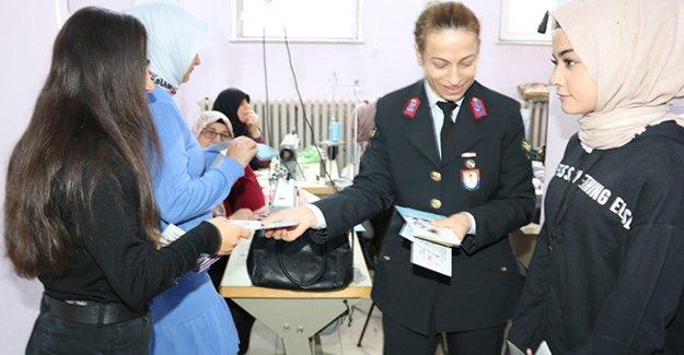 Jandarmadan Kadın Hakları Günü etkinliği