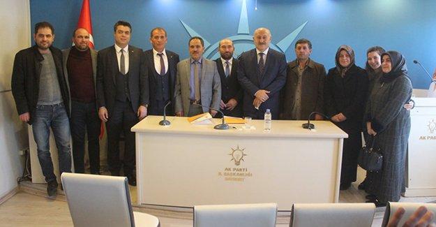AK Parti yeni belde başkanlarını tanıttı
