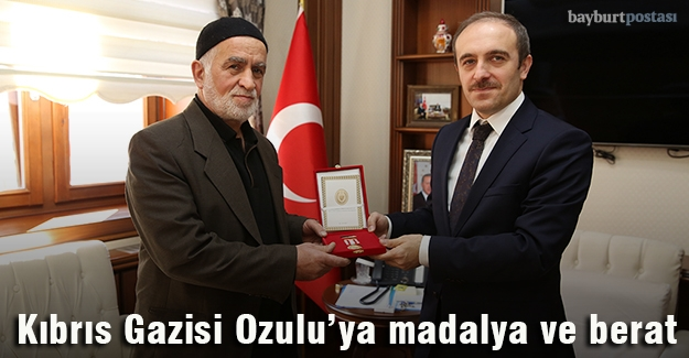 Kıbrıs Gazisi Ozulu'ya madalya ve beratı verildi