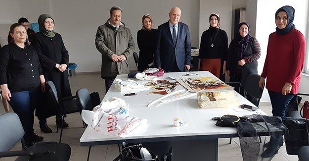 Bayburt Belediyesi Aile Yaşam Merkezi'nde kurslar başladı