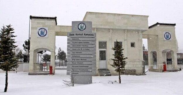 Bayburt Üniversitesi de öğretime kar arası verdi