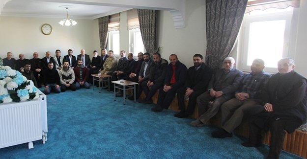 Pekmezci, Esentepe mahallesindeki kahvaltıya katıldı