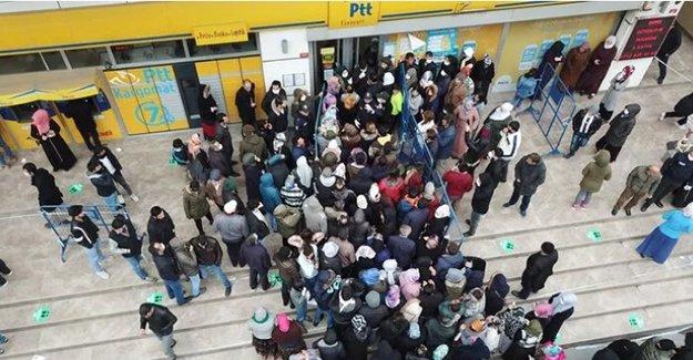 PTT Bayburt Şubesi geçici olarak kapandı!