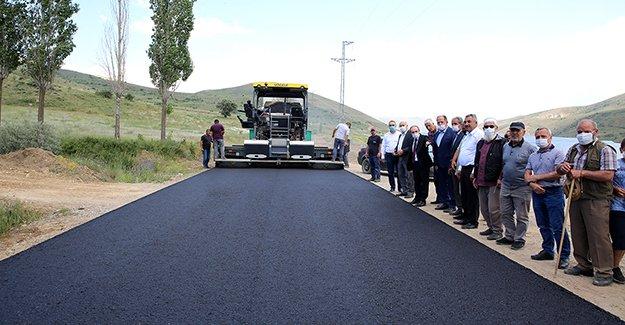 Pamuktaş köyünde asfalt çalışması