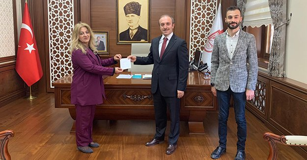 Vali Epcim'den Türk Kızılayı'na Kurban Bağışı