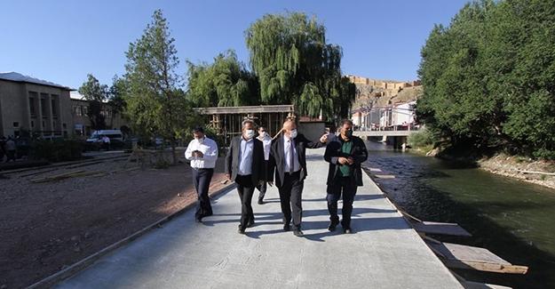 Battal ve Pekmezci, belediye çalışmalarını inceledi