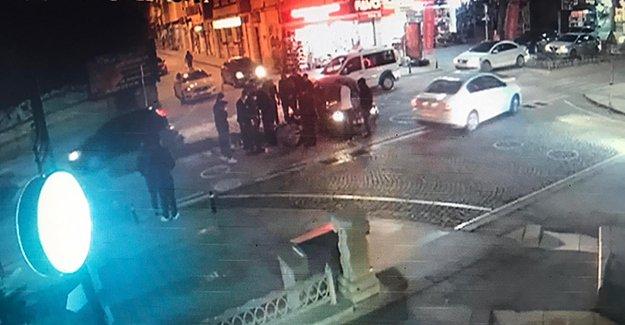 Araca Çarpan Motosiklet Sürücüsü Takla Attı