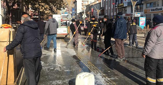 Bayburt'ta cadde ve sokaklarda temizlik devam ediyor