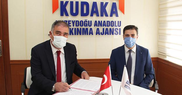 """""""Arpalı'da Çoruh Nehri Turizme Akıyor"""" projesinin destek sözleşmesi imzalandı"""