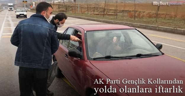 AK Parti Gençlik Kollarından yolda olanlara iftarlık