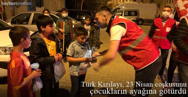 Türk Kızılayı Bayburt Şubesi, 23 Nisan coşkusunu çocukların ayağına götürdü