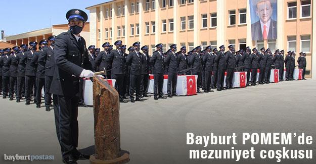 Bayburt POMEM'de 295 öğrenci mezuniyet sevinci yaşadı