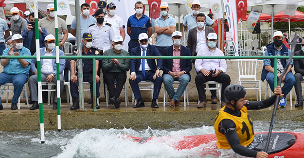 Rektör Türkmen, 'Akarsu Slalom 2021 Türkiye Kupası'nı takip etti