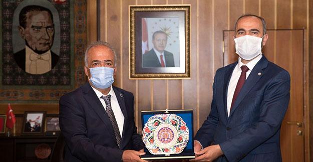 Rektör Türkmen ve Rektör Yıldız'dan Atatürk Üniversitesine Ziyaret