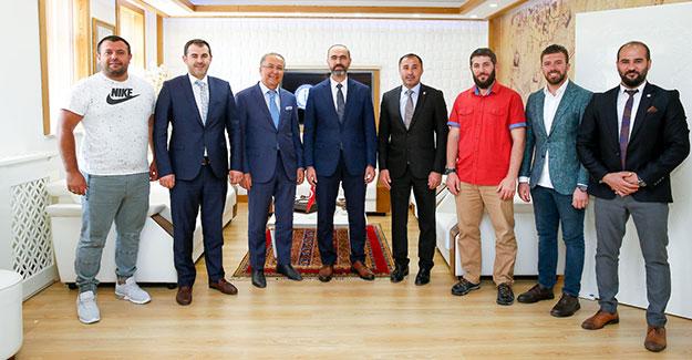 Spor Federasyonu Başkanlarından, Rektör Türkmen'e Ziyaret