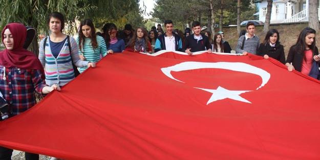 91. yıl anısına 'Cumhuriyet ve Gençlik Yürüyüşü'