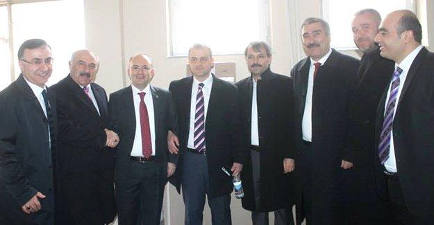 AK Parti, aday adaylarını STK'lara soruyor