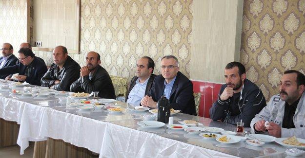 AK Parti adayları STK'larla buluştu