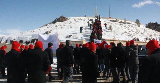 Bayburt '2. Plevne' şehitlerine yürüyor
