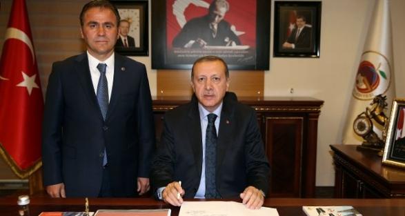 Cumhurbaşkanı Erdoğan'dan Başkan Çimen'e tam destek
