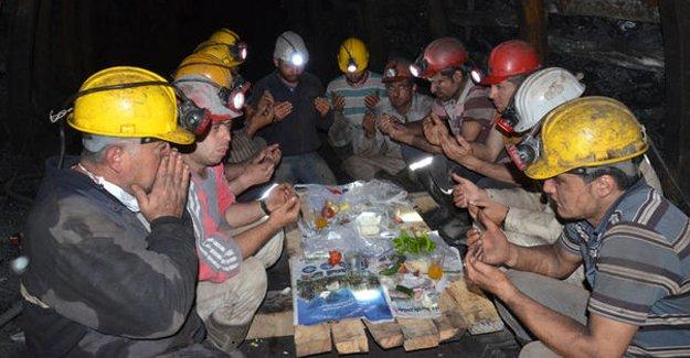 Kömür işçilerinin karanlık dehlizlerdeki ramazanı