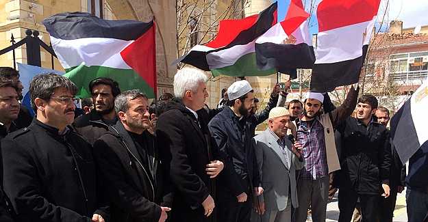 Mursi'ye verilen ceza Bayburt'ta protesto edildi