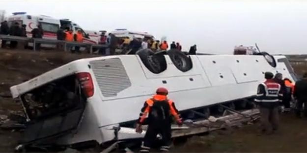 Otobüs tarlaya uçtu: 2 ölü, 28 yaralı