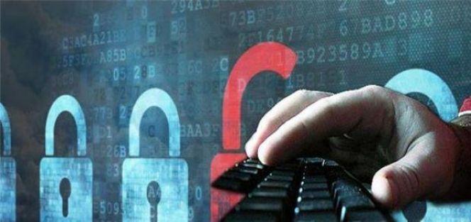 Seçmen bilgileri Rus hackerların elinde!