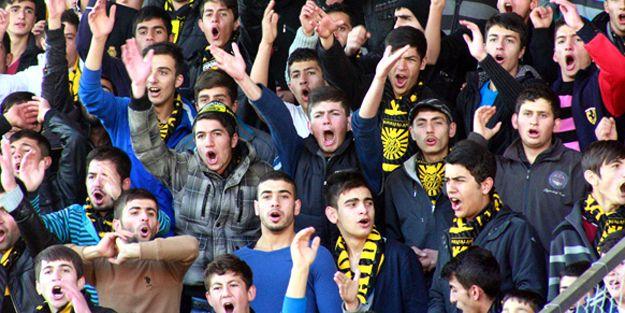 Taraftardan emniyete sitem, Özbek'e teşekkür