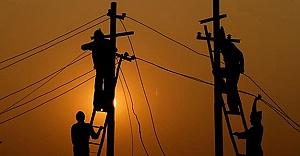 Bayburt#039;ta iki köyde elektrik...