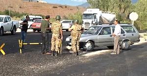 Teröristler sivil araca ateş açtı: 1...