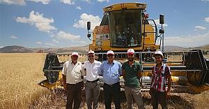 Çiftçinin kredi borçları 1 yıl erteleniyor