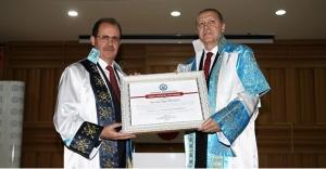 Üniversitenin yeni fahri doktoru: Cumhurbaşkanı...