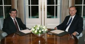 Cumhurbaşkanı Erdoğan ve Başbakan Davutoğlu'ndan kutlama