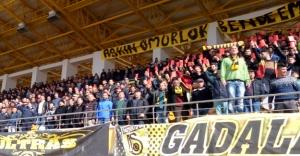 """Forza Gadalar'dan """"kırmızı kart"""" protestosu"""