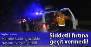 Hamile kadını taşıyan ambulans fırtınada mahsur kaldı