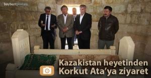 Kazak heyet 'Korkut Ata'nın huzurunda