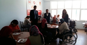 SODES'ten engelli bireylere takı-tasarım kursu