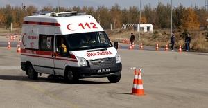 Doğu'nun ambulans şoförleri kışa hazır