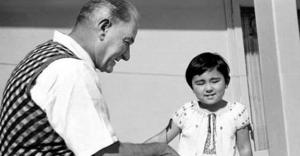 """""""Mustafa Kemal, aziz milletimize Türkiye'nin bağımsızlığını benimsetmiştir"""""""