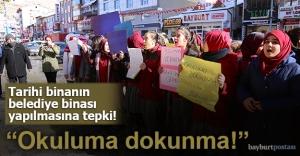 Tarihi okulun öğrencilerinden protesto!