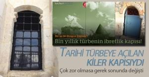 Tarihi türbeye yakışmayan kapı değişti
