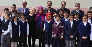 "Kızılay'dan ""81 il 81 öğrenci"" projesi"
