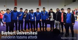 Bayburt Üniversitesi minderin tozunu attırdı