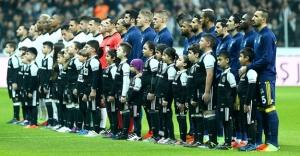 Bayburtlu çocuklar Beşiktaş-Fenerbahçe derbisinde